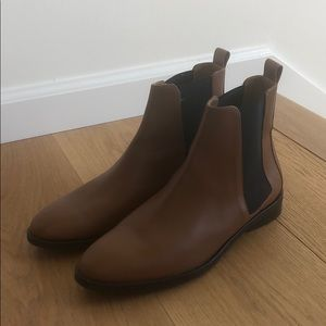 Everlane modern Chelsea boot- cognac